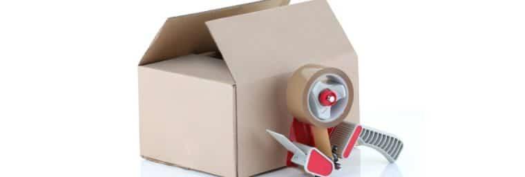 rouleau adhésif pour un déménagement