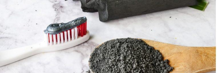 Dentifrice en poudre au charbon végétal